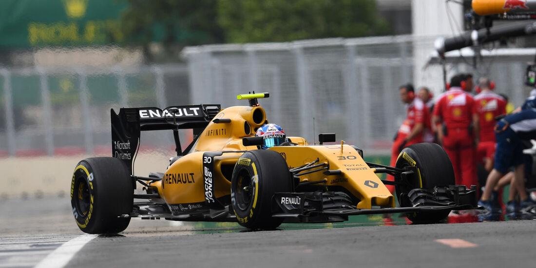 Jolyon Palmer - Renault - Formel 1 - GP Aserbaidschan - Baku - 17. Juni 2016