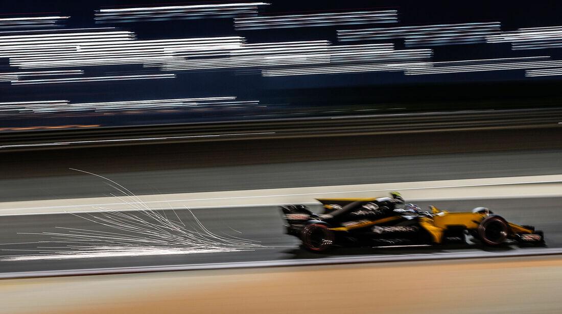 Jolyon Palmer - Renault - GP Bahrain 2017 - Qualifying
