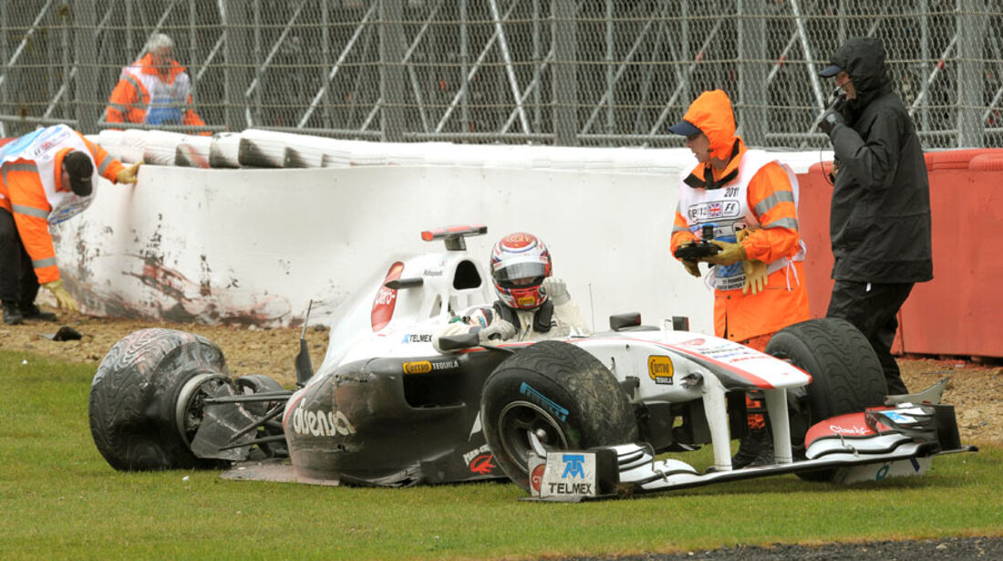 Kamui Kobayashi GP England Crashs 2011