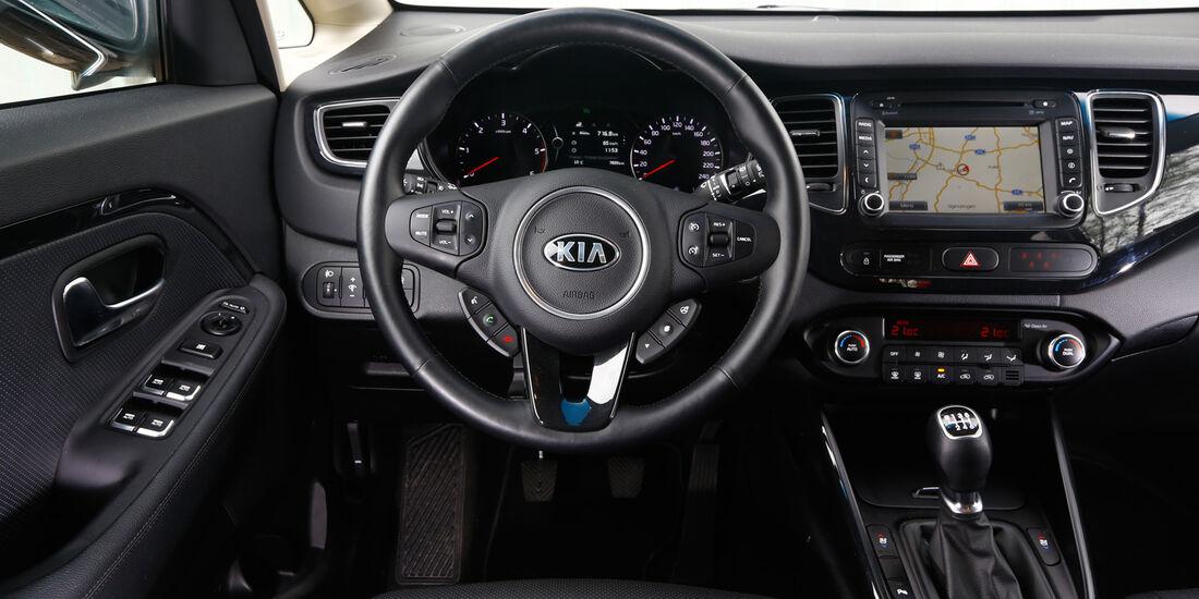 Kia Carens 1.7 CRDi, Cockpit, Lenkrad