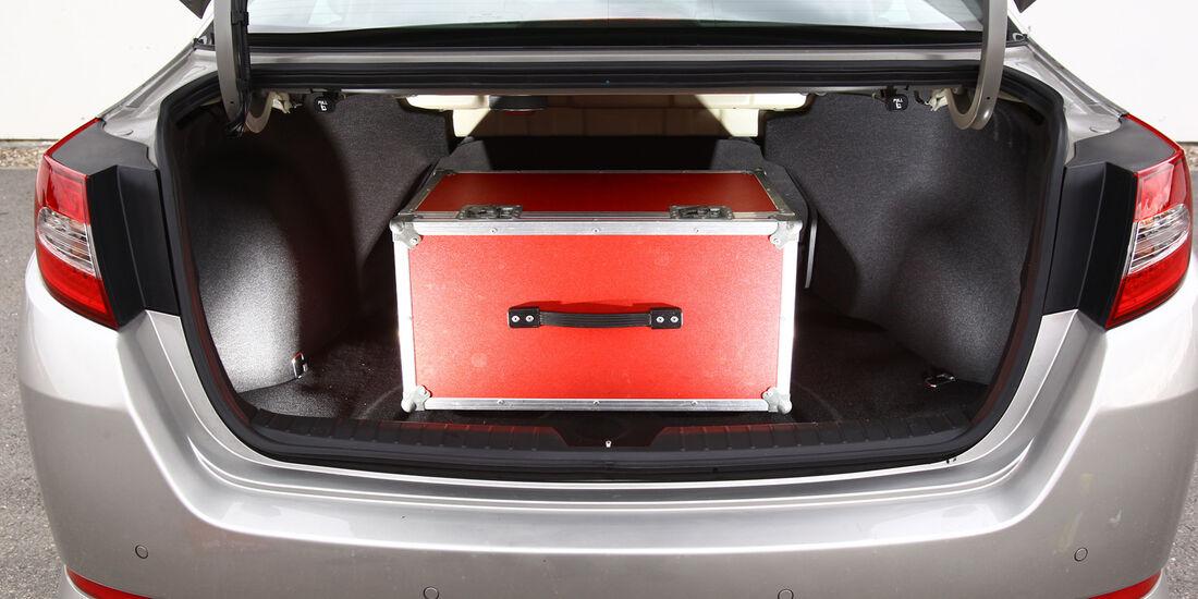Kia Optima 1.7 CRDi Spirit, Kofferraum, Ladefläche
