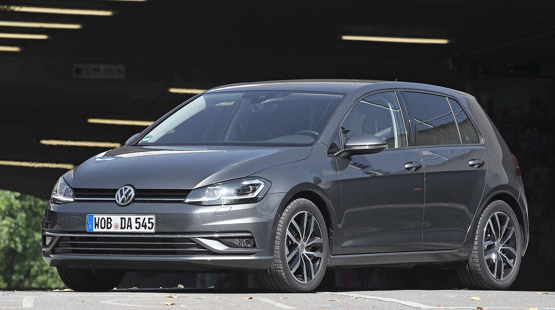 Kompakt gegen SUV, VW Golf, VW T-Roc, Vergleich, ams2218