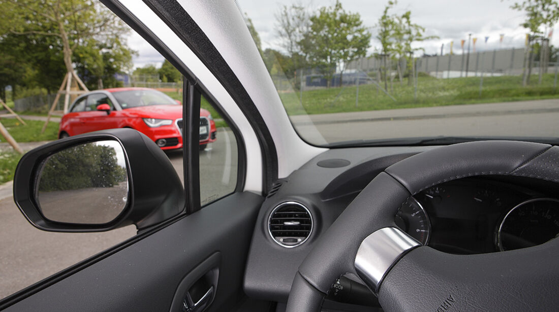 Kurvensicht, Peugeot 5008