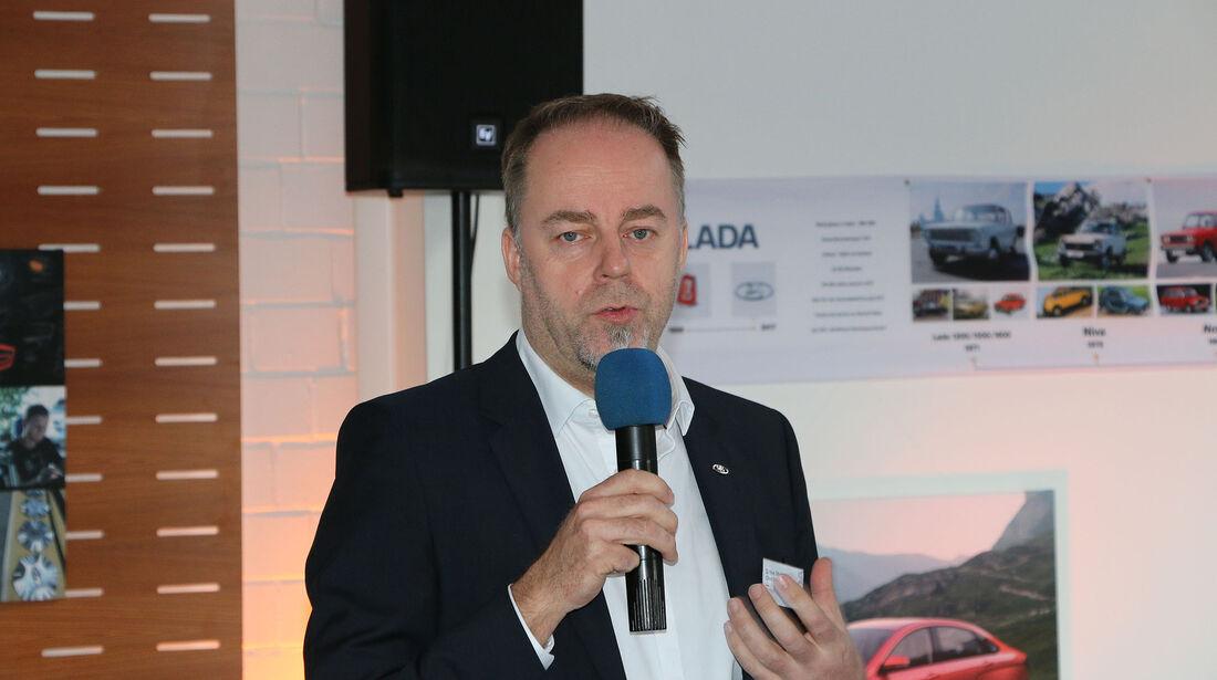 Lada-Chefdesigner Steve Mattin