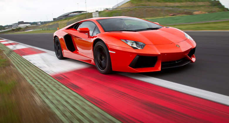 Lamborghini Aventador LP 700-4, Frontansicht, Rennstrecke