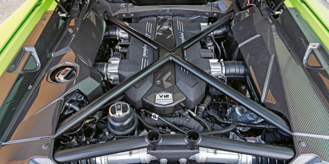Lamborghini Aventador LP 700-4 Roadster, Motor