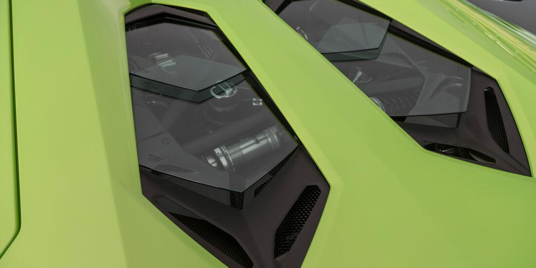 Lamborghini Aventador LP 700-4 Roadster, Motorhaube