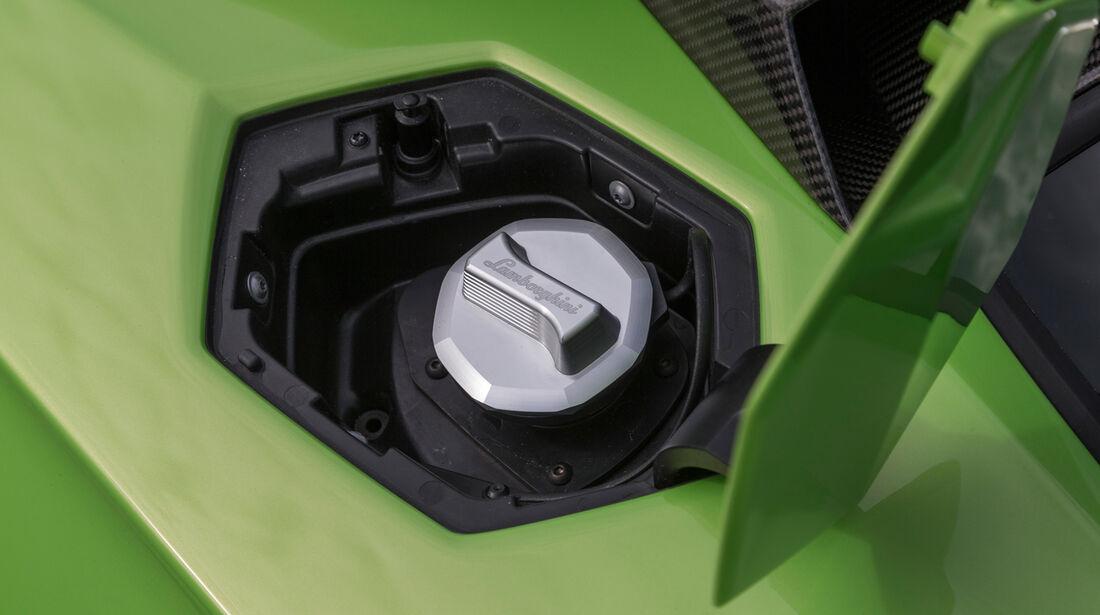 Lamborghini Aventador LP 700-4 Roadster, Tank, Tankdeckel