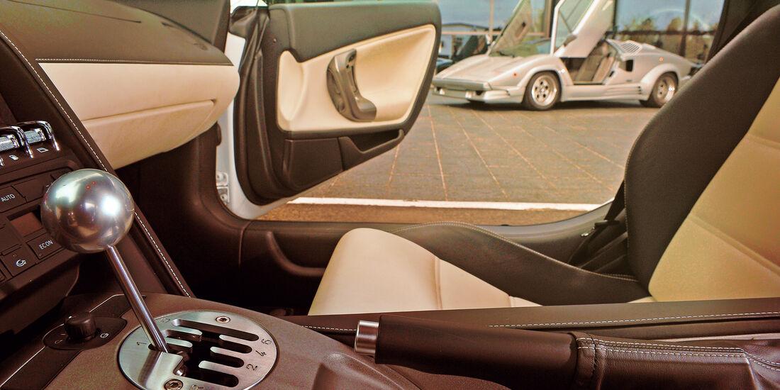 Lamborghini Countach, Lamboghini Gallardo LP 550-2, , Seitenansicht, Schalthebel