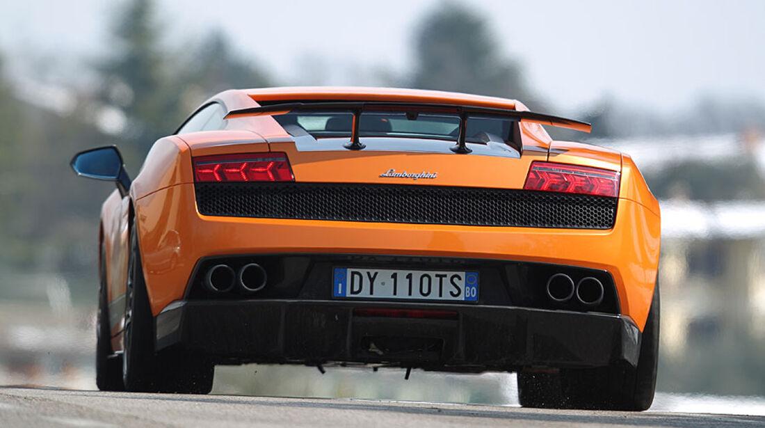 Lamborghini Gallardo LP 570-4 Superleggera - Fahrtaufnahme Heckansicht