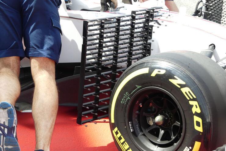 https://imgr2.auto-motor-und-sport.de/Lance-Stroll-Williams-Formel-1-Testfahrten-Bahrain-International-Circuit-Dienstag-18-4-2017-fotoshowBig-a3616219-1065962.jpg