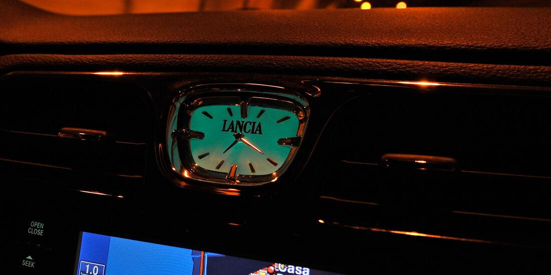 Lancia Flavia, Bildschirm