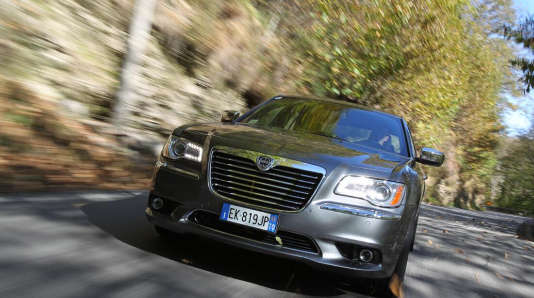 Lancia Thema 3.0 V6 Multijet Platinum, Front