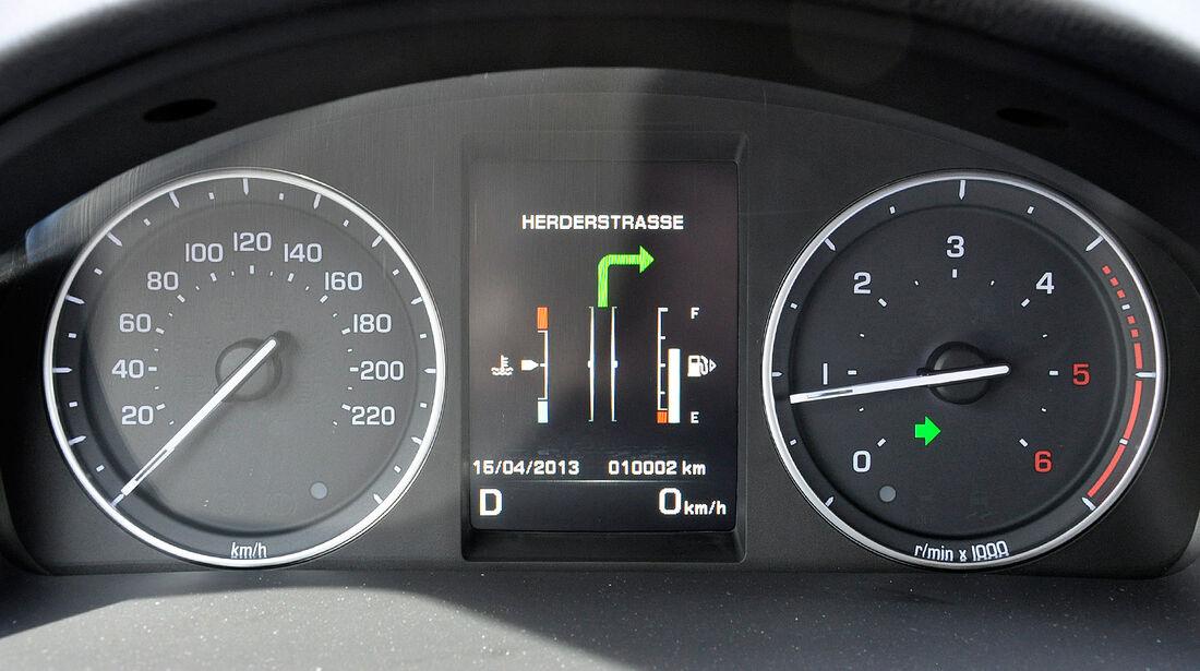 Land Rover Freelander 2.2 TD4, Instrumente, Navigation