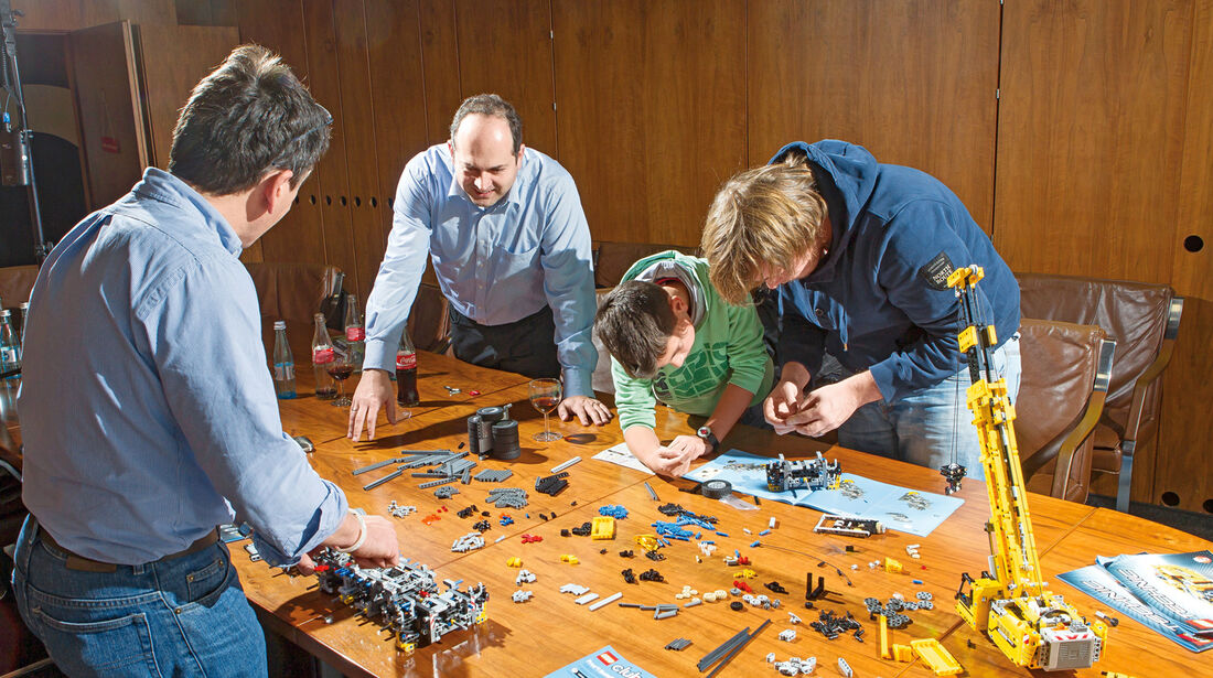 Lego-Technik, Aufbauteam