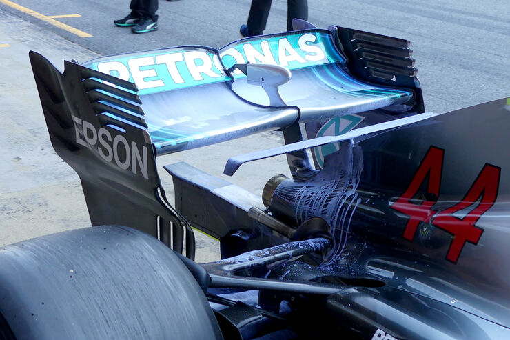 [Imagen: Lewis-Hamilton-Mercedes-F1-Test-Barcelon...151284.jpg]
