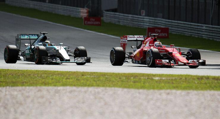 Lewis Hamilton - Mercedes - Sebastian Vettel - Ferrari - GP Malaysia 2015 - Formel 1