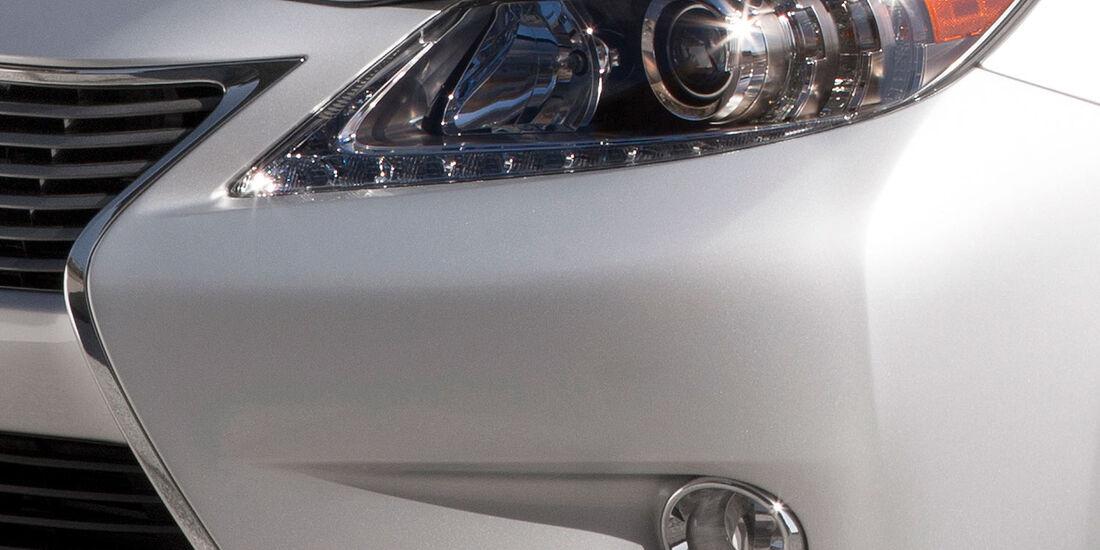 Lexus ES New York
