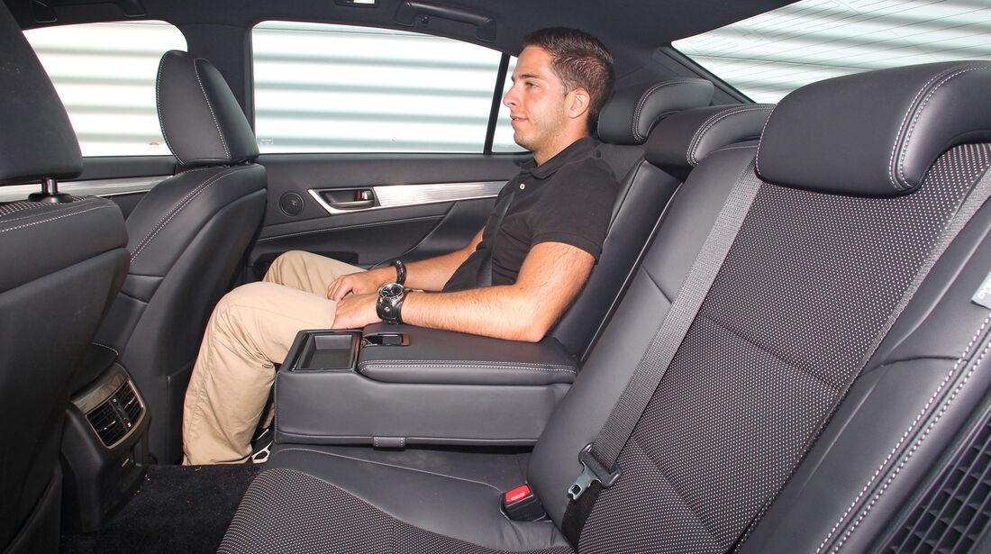 Lexus GS 450h F-Sport, Rücksitz, Armlehne