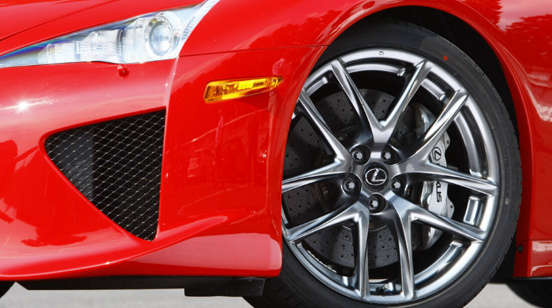 Lexus LFA, Rad