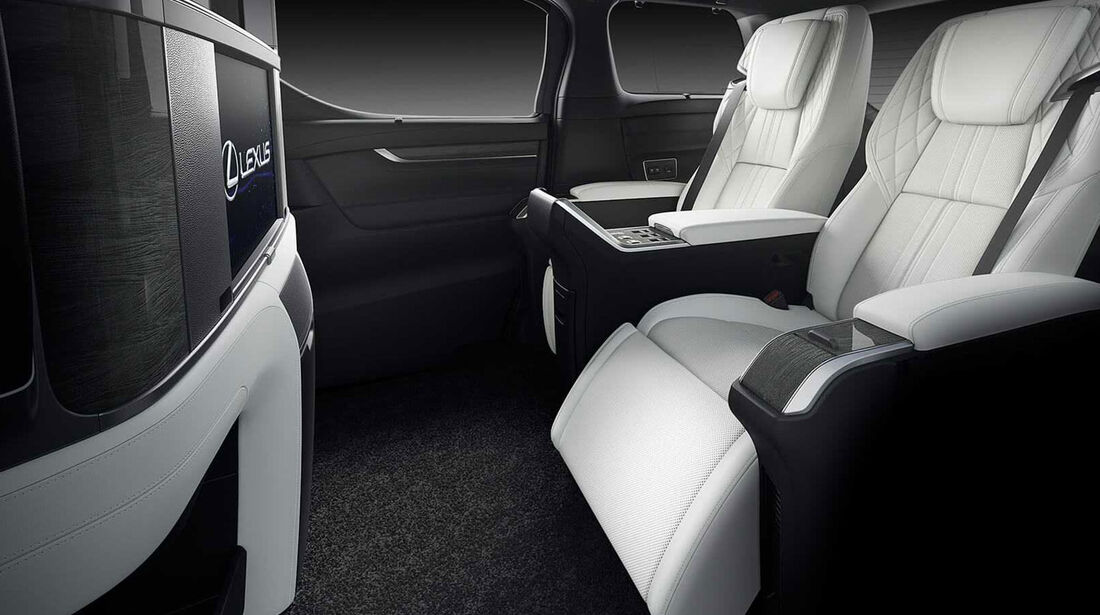 Lexus LM 300h