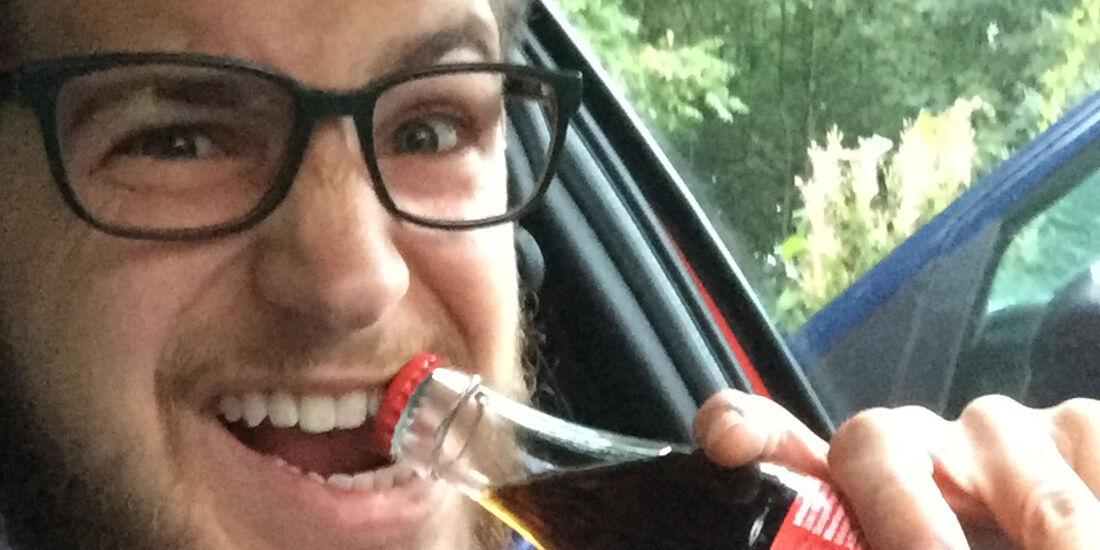 Lifehack Flaschenöffner Gurt