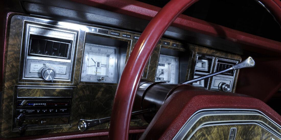 Lincoln Continental Mark V, Detail, Instrumententafel, Lenkrad