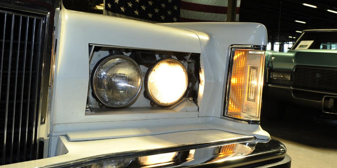 Lincoln Continental Mark V, Scheinwerfer