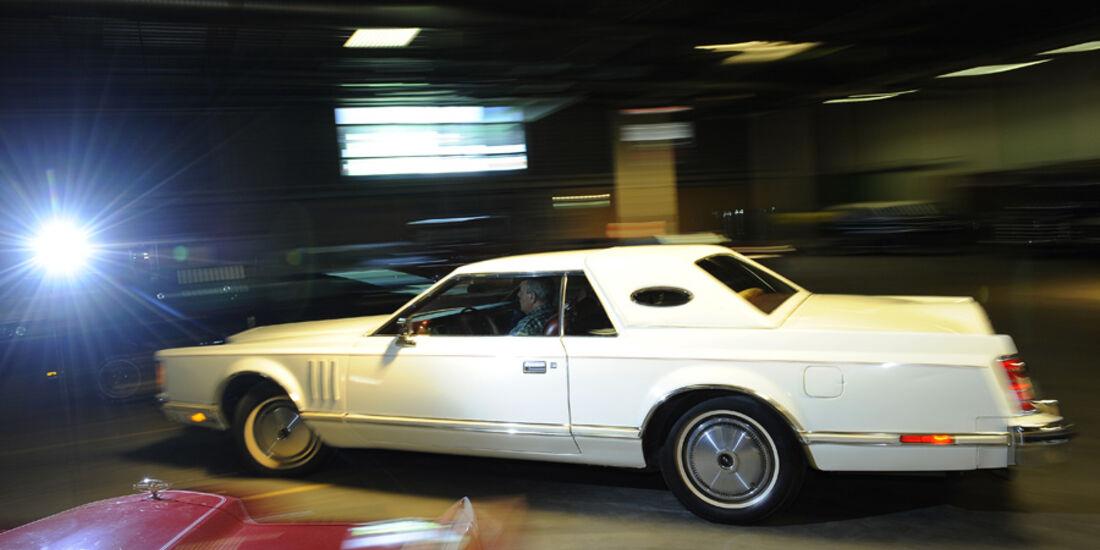 Lincoln Continental Mark V, Seitenansicht