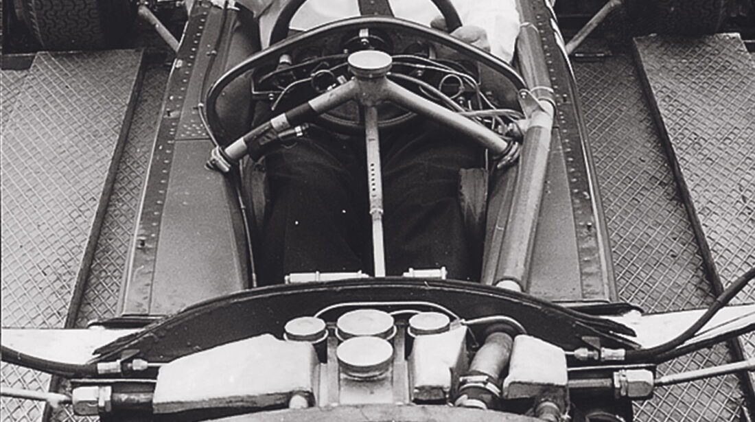 Lotus 25, Colin Chapman