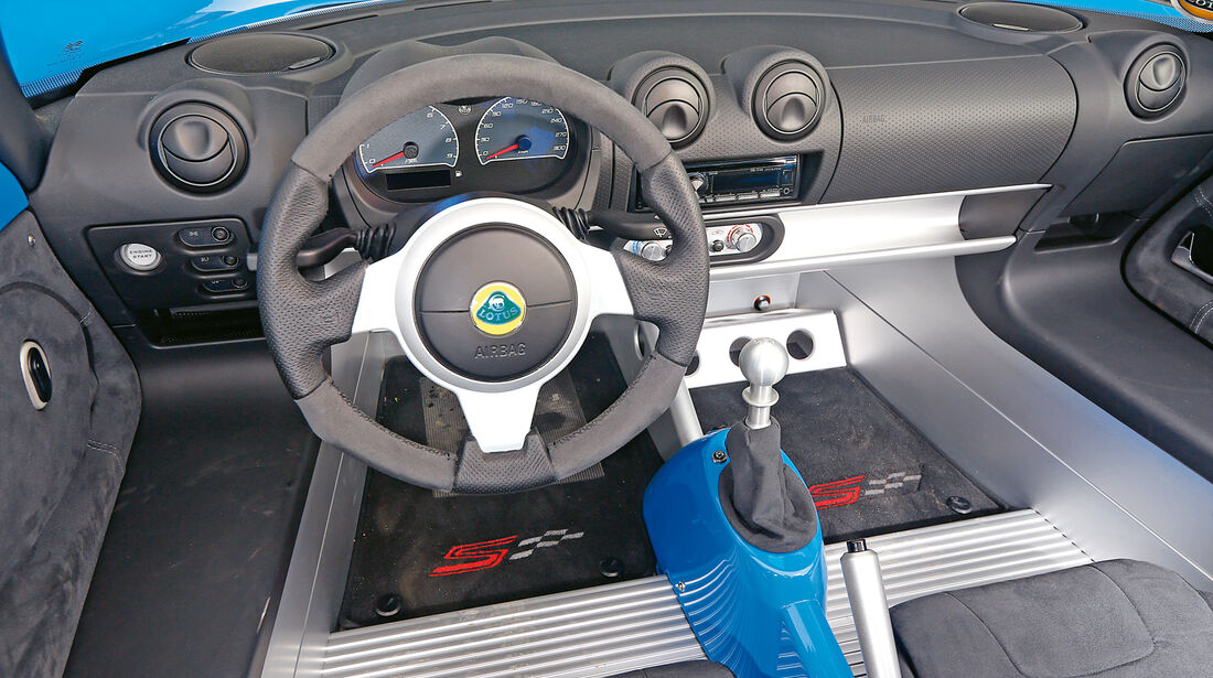 Lotus Elise S CR, Cockpit