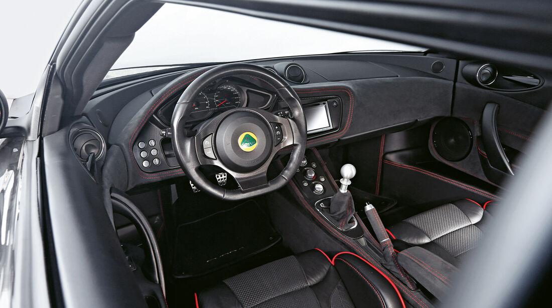 Lotus Evora S Sports Racer, Cockpit