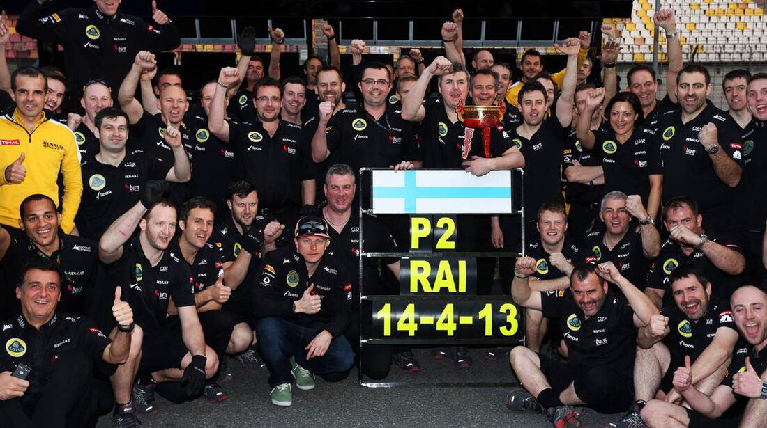 Lotus Siegerfoto - Formel 1 - GP China - 14. April 2013