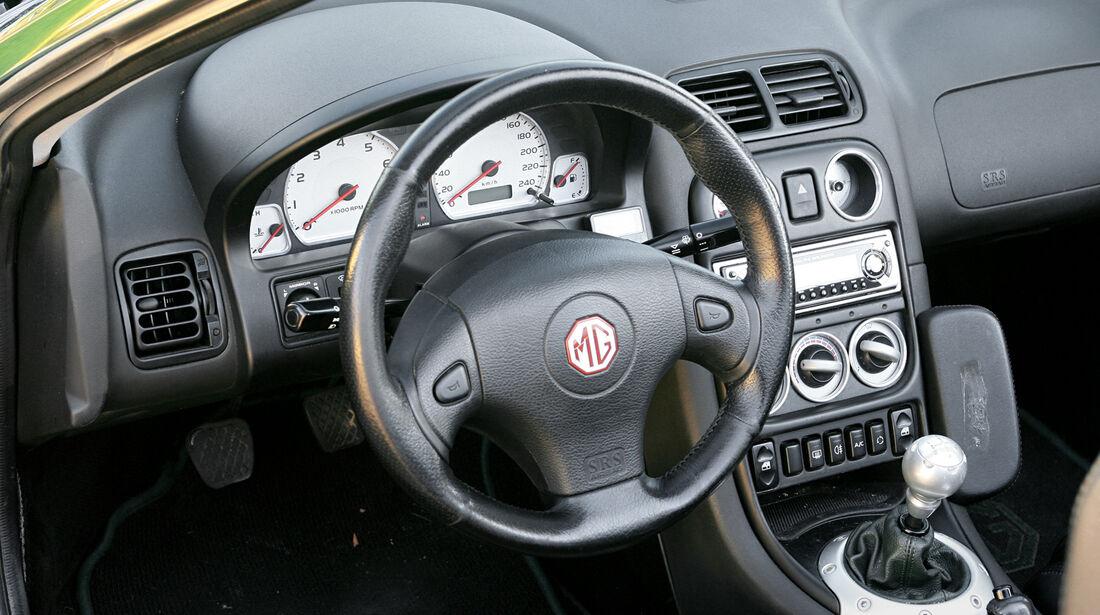 MGF 1.8i, Cockpit