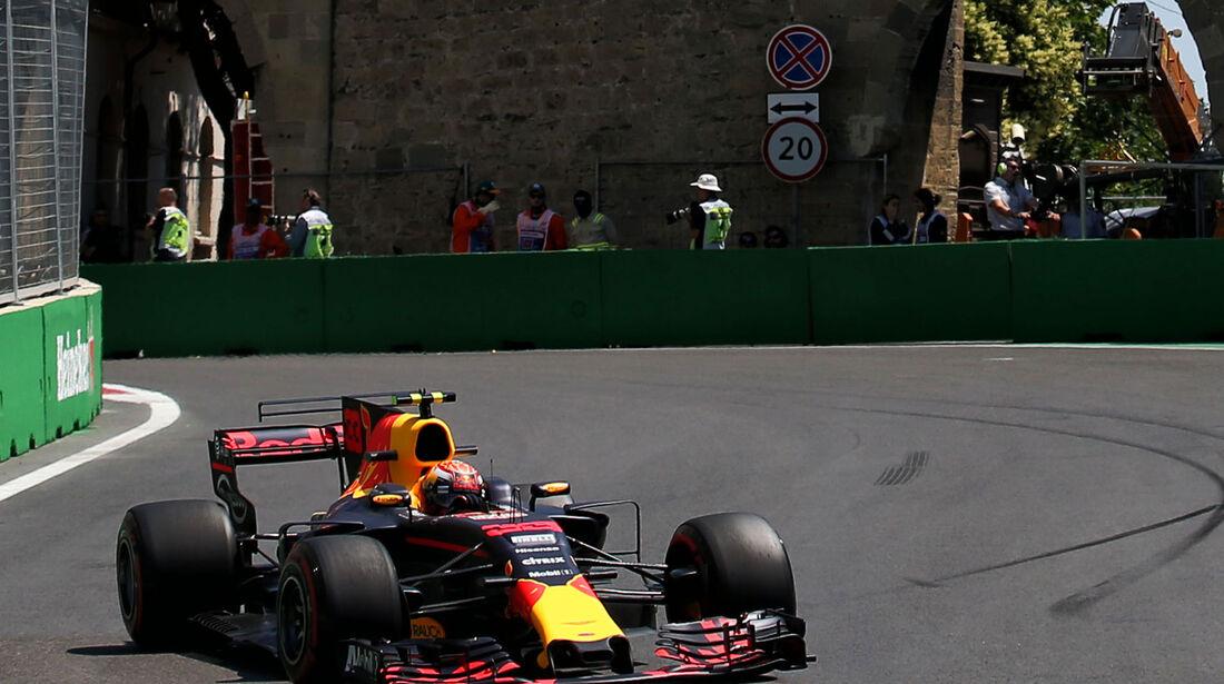 Max Verstappen - Red Bull - Formel 1 - GP Aseerbaidschan 2017 - Training - Freitag - 23.6.2017