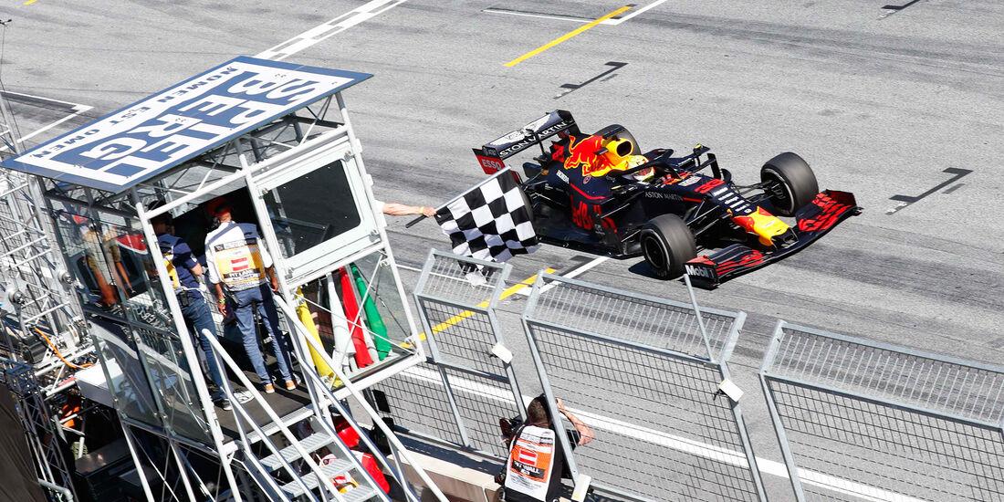 En la mejor carrera de la temporada, Verstappen gana en Austria