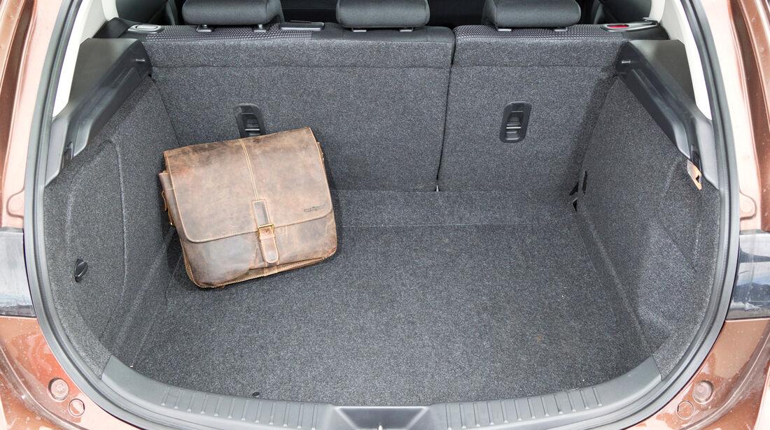 Mazda 3 2.2 MRZ-CD, Kofferraum, Ladefläche