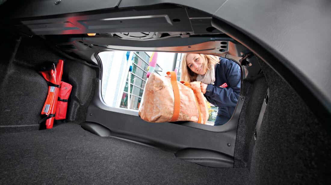 Mazda 3, Ladefläche