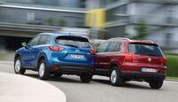 Mazda CX-5 2.0 Skyactiv-G AWD, VW Tiguan 1.4 TSI  1.4 TSI 4Motion, Heckansicht