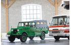 Mazda Pathfinder XV1 und Mazda Parkway Bus