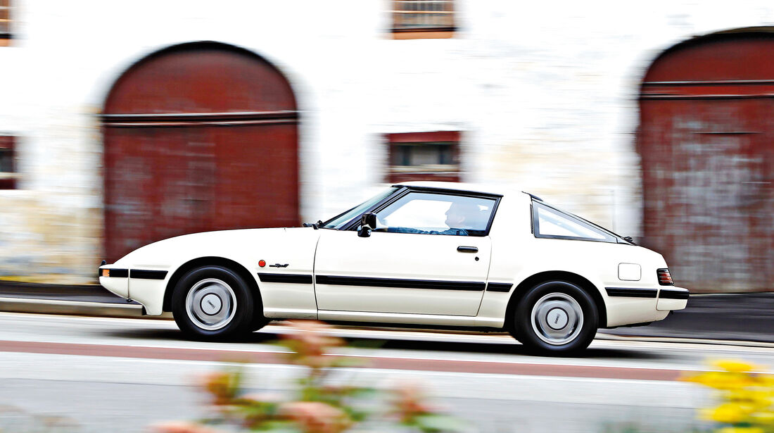 Mazda RX-7, Seitenansicht