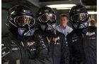 McLaren - 2001 - Mechaniker - Helme - Formel 1