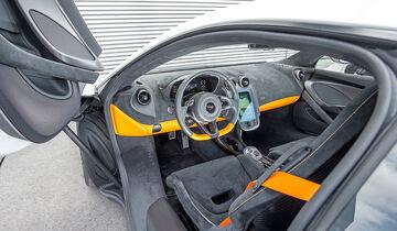 McLaren 570GT, Innenraum