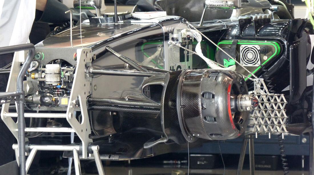 McLaren - Formel 1 - GP Japan - 3. Oktober 2014