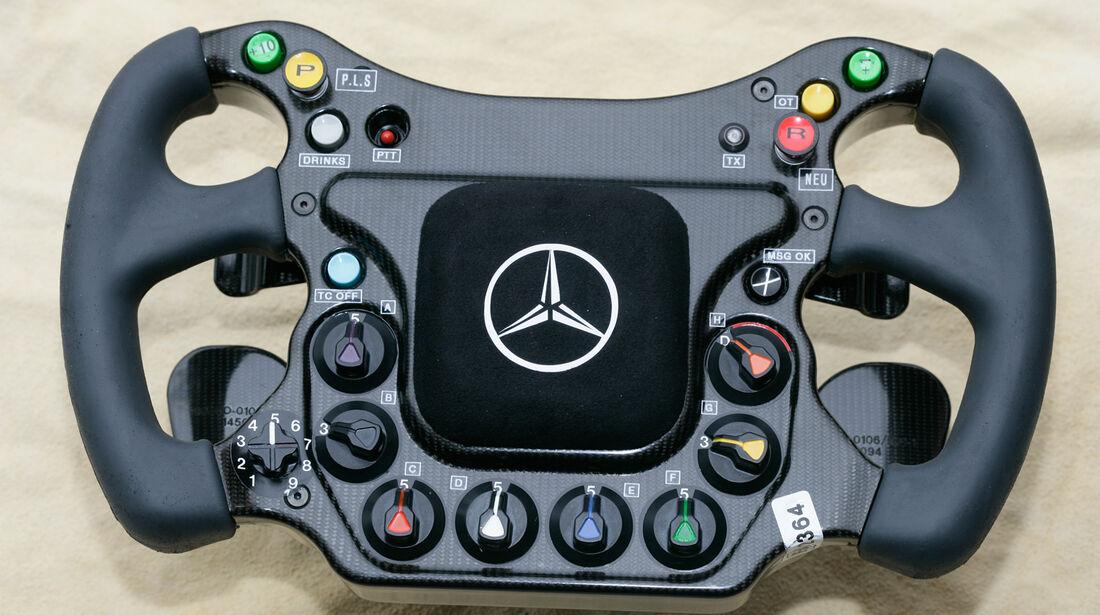 McLaren Lenkrad 2005