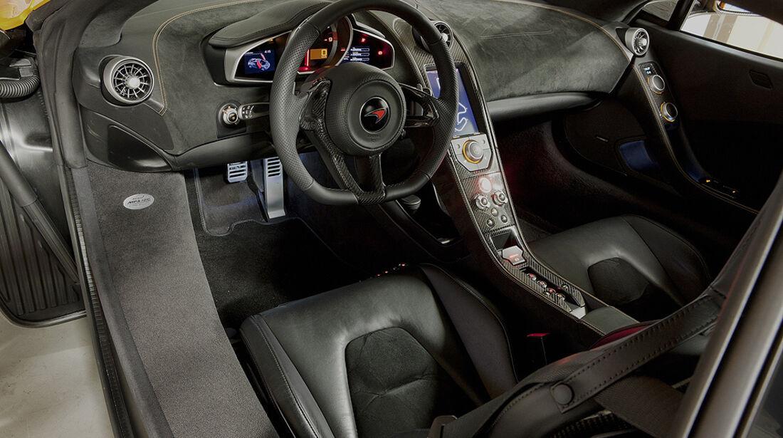 McLaren MP4-12C, Innenraum, Cockpit