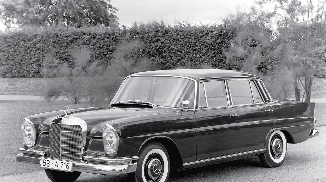 Mercedes 220 S/SE, Seitenansicht
