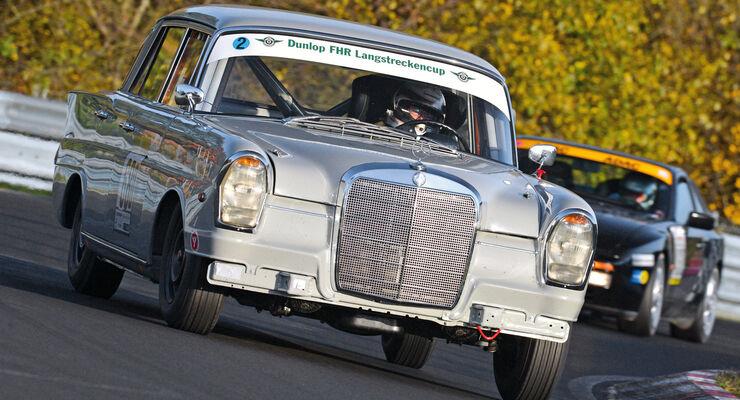Mercedes 220 SE, Frtontansicht
