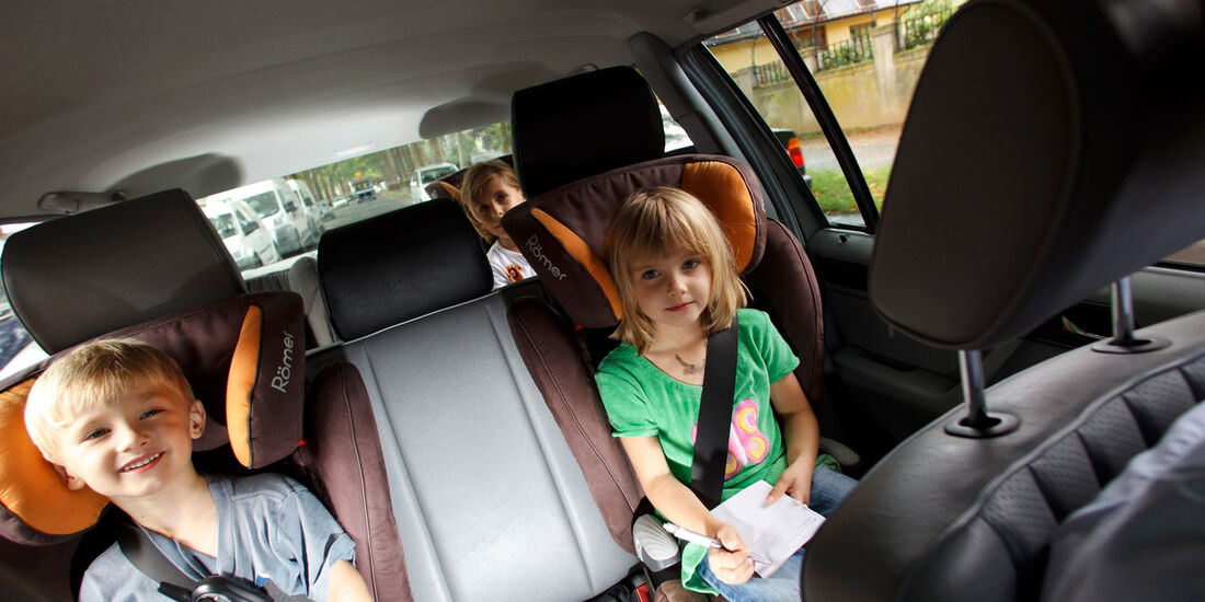 Mercedes 260 E lang, Rücksitz