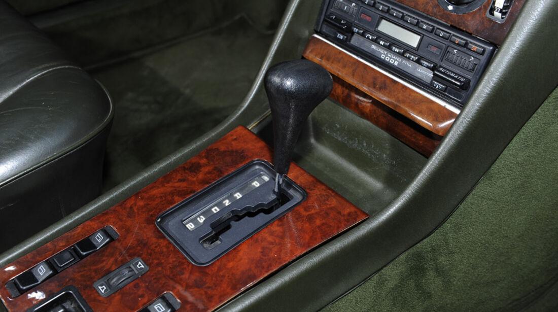 Mercedes 500 SEC, Mittelkonsole